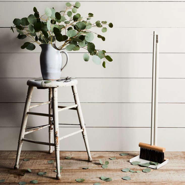 Food52's Andree Jardin Vintage Inspired French Standing Dustpan Set