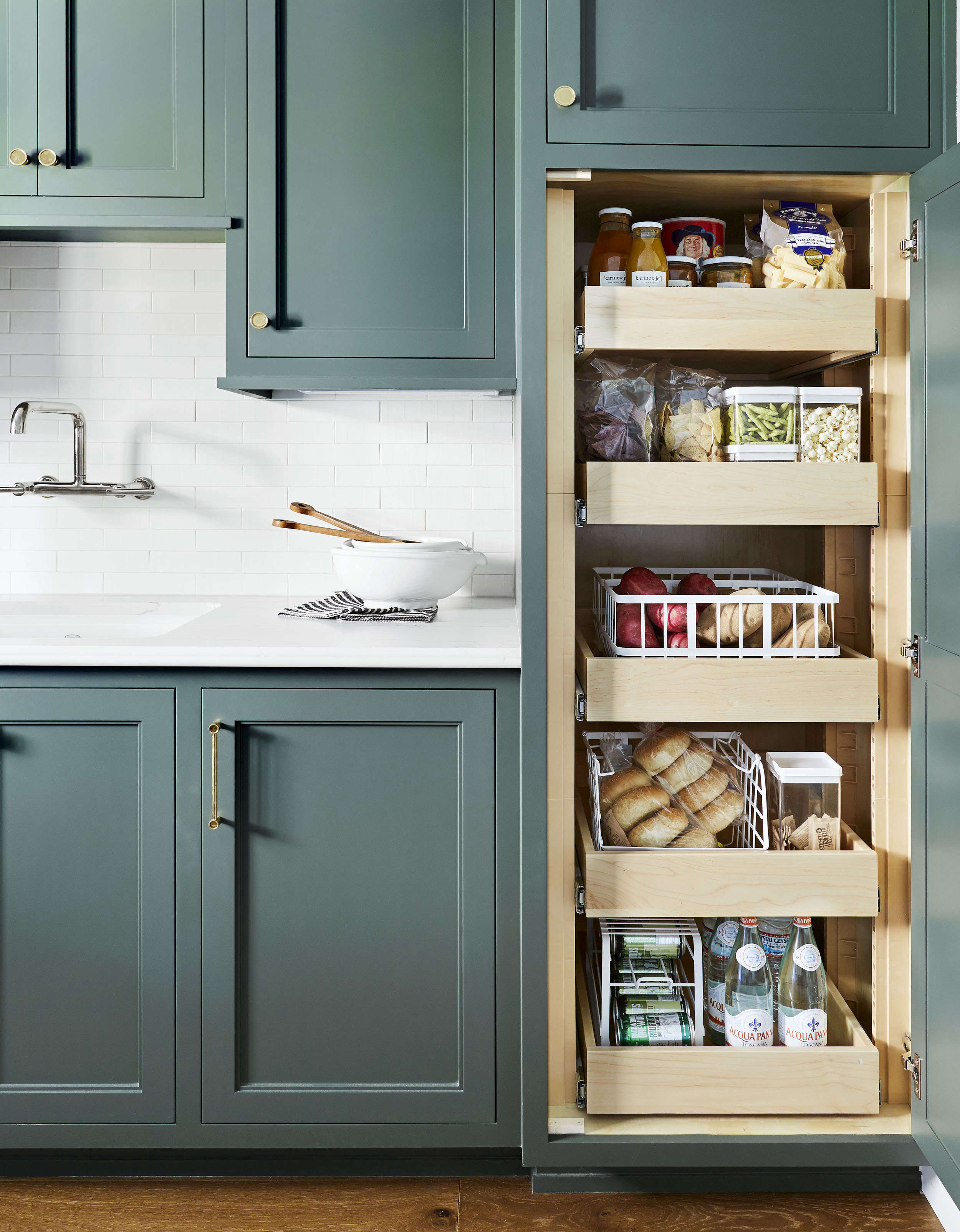 10 Things Nobody Tells You About Organizing Your Pantry