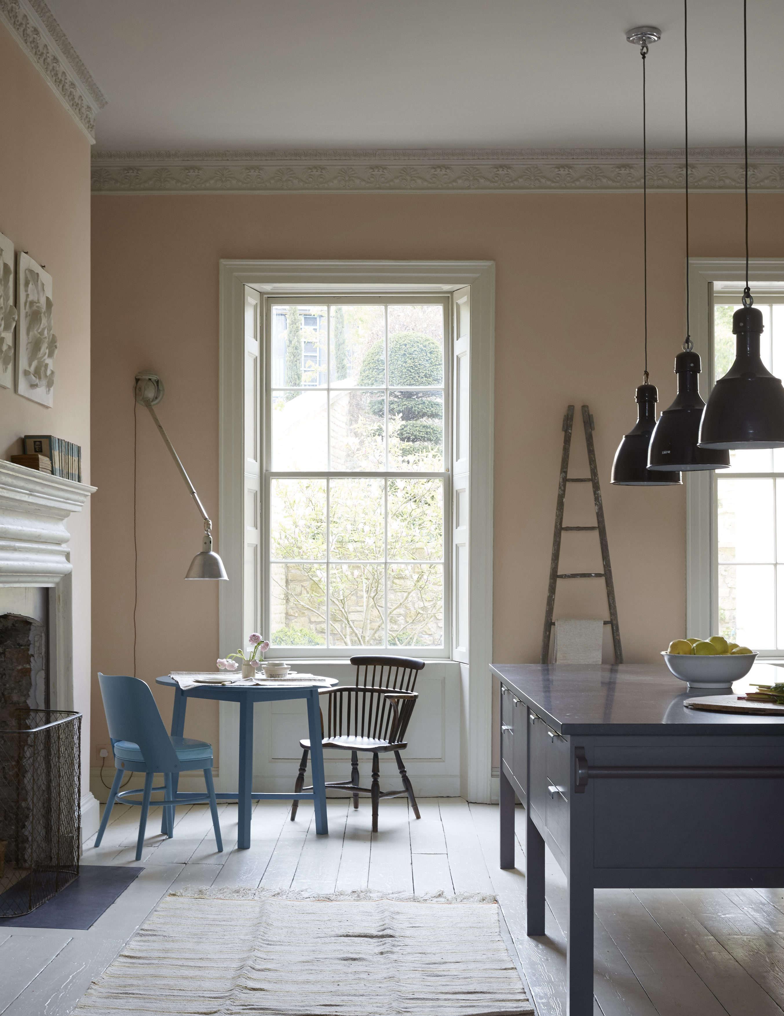 Nick Gilpin house Plain English kitchen, Bath, England, Nicola Harding interior design, Christopher Howe furnishings. Paul Massey photo.