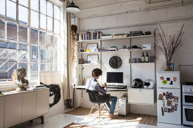 10 Easy Pieces: Wall-Mounted Desks - The Organized Home
