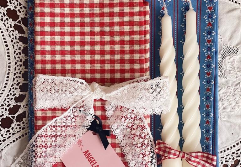Angela Mugnai Blue Tyrol Placemats Gift Set