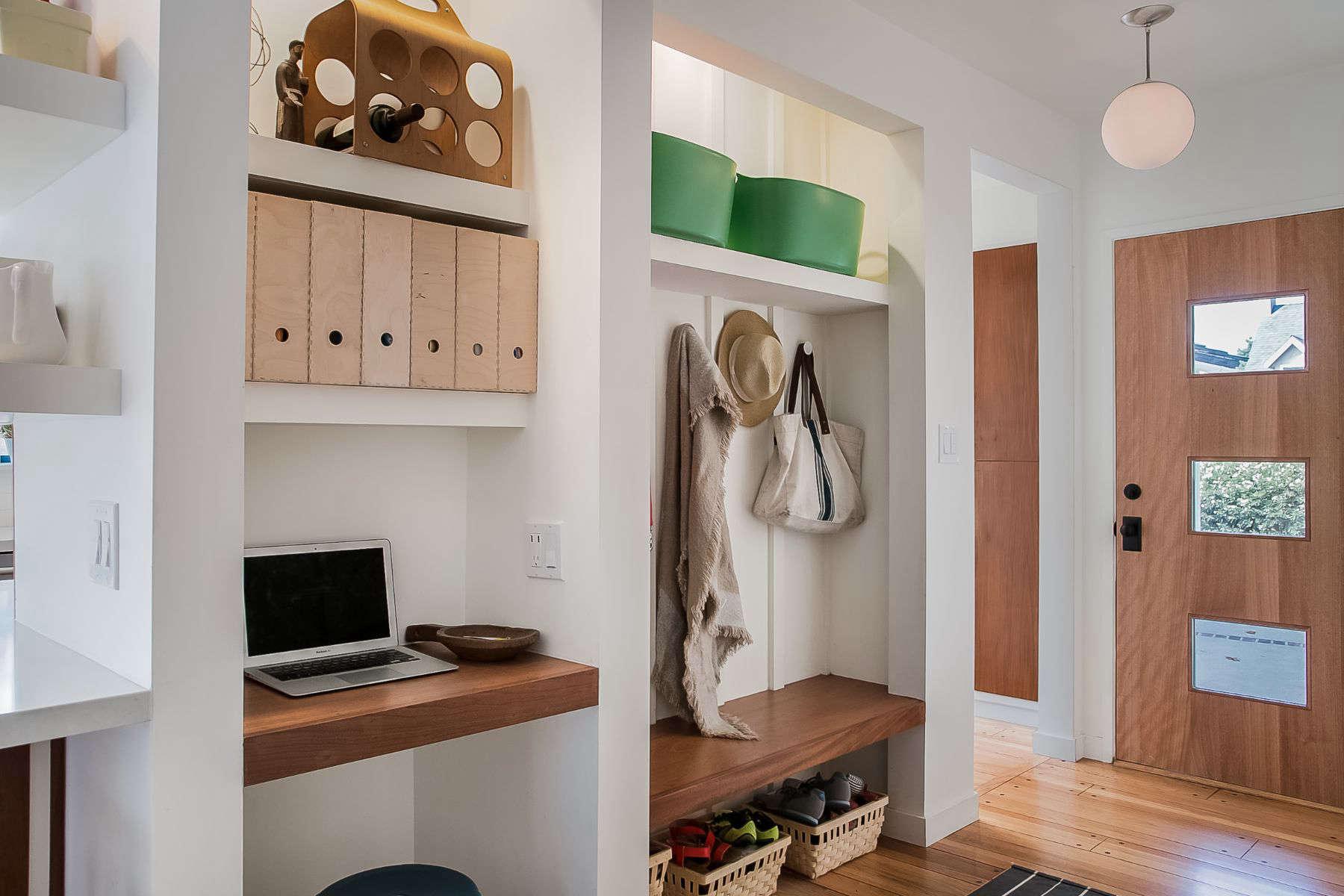 Altadena Modern Ranch: Foyer to Living Room
