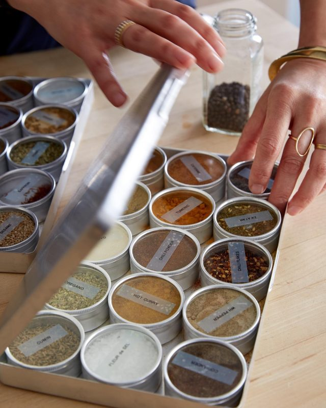 To be filed under Small Changes that Make a World of a Difference: decanting your spices into uniform jars and labeling them. Having matching hard and labels not only looks good, it frees up much-needed drawer space. Click the link in our bio for 8 Practical and Artful Ways to Label Spice Jars. Photograph by @ksears.