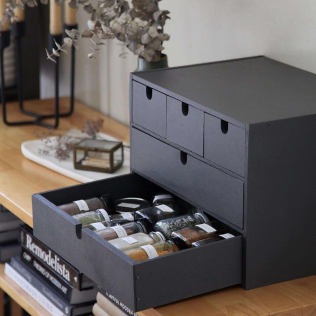All of us at The Organized Home have a knack for repurposing—we want to be eco-friendly, we tend to be budget-conscious, and we often find ourselves with an old storage solution that will perfectly fill a new storage need. Click the link in our bio to reimagine simple Ikea office furniture as kitchen storage. Photography by Meredith Swinehart.